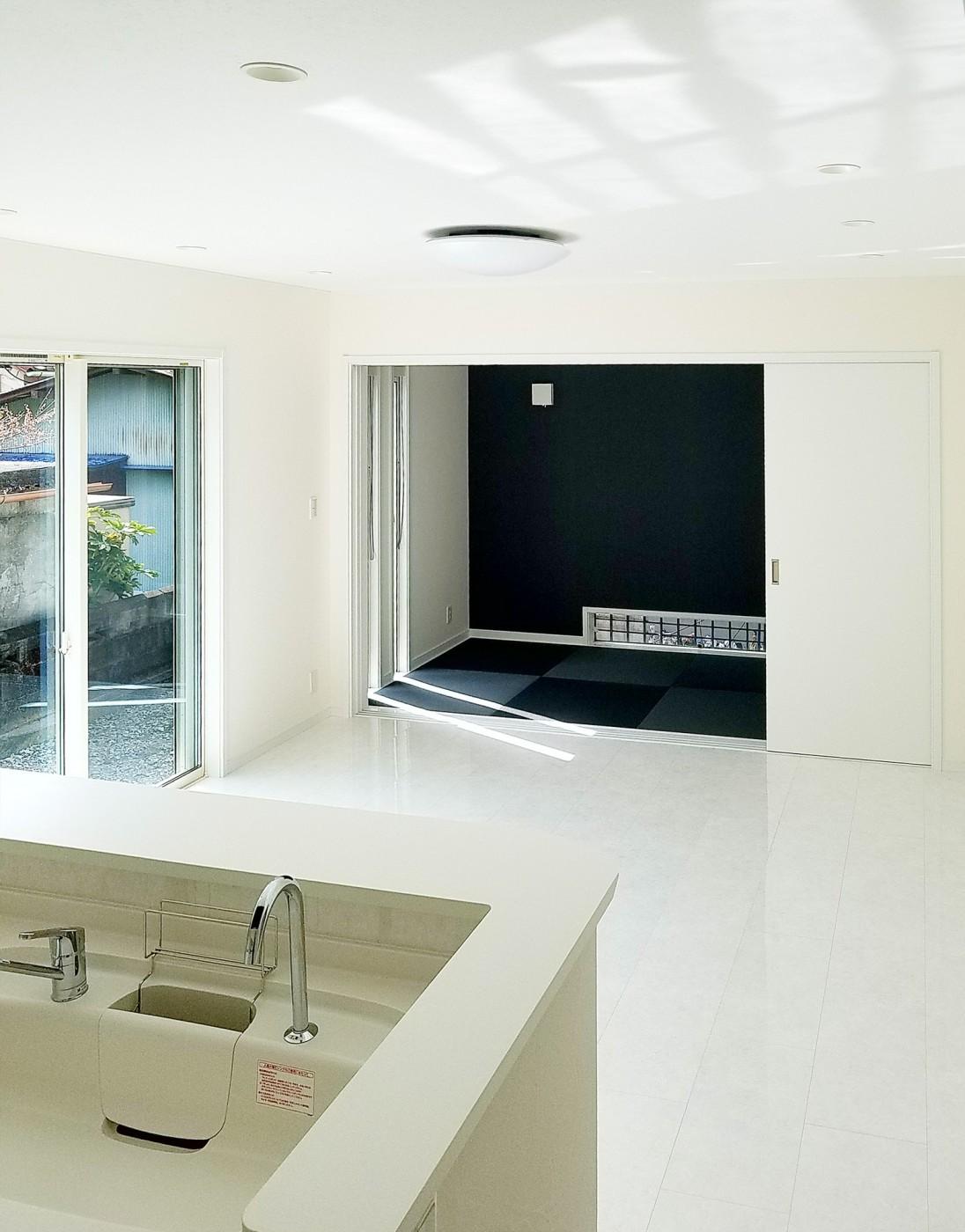 リビング続きの和室で多目的スペースができます。